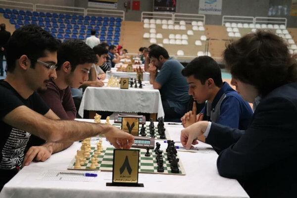 صدرنشینی آرش داغلی در خاتمه دور سوم مسابقات