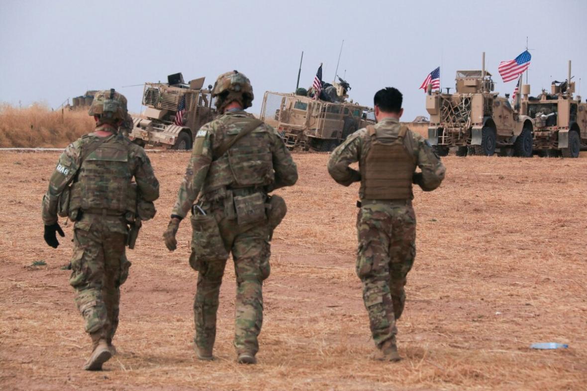 تصمیمات تازه ائتلاف آمریکا در عراق ، تداوم حضور نظامیان آمریکایی در پایگاه یونیون 3 بغداد و عین الاسد